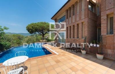 Villa de lujo con vistas al mar en las afueras de Barcelona