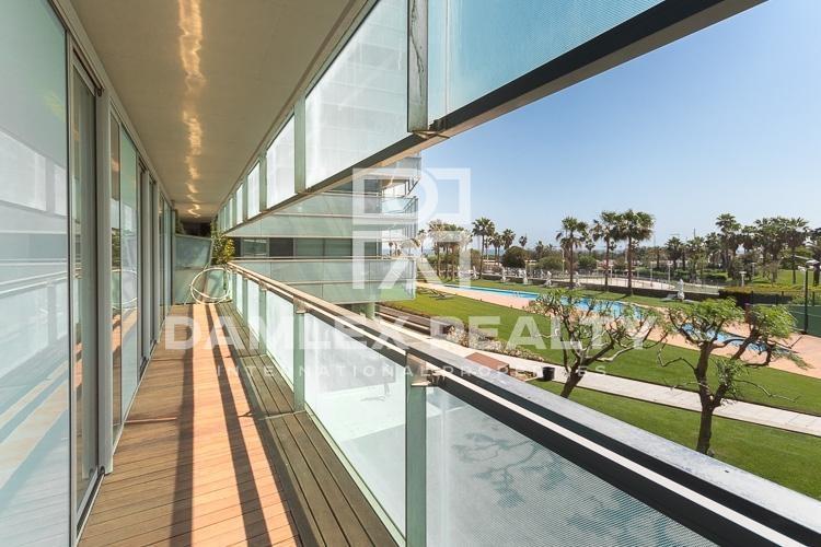 Moderno piso en un complejo residencial de lujo  en Diagonal Mar