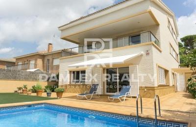 Villa con vistas al mar en la localidad de Vilassar de Dalt. Costa de Barcelona.