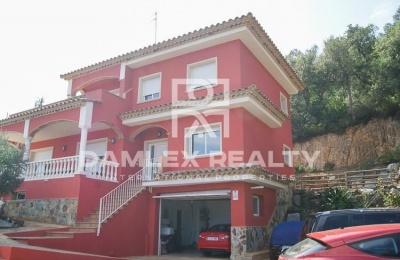 Villa con vistas al mar en la ciudad de Calonge. Costa Brava