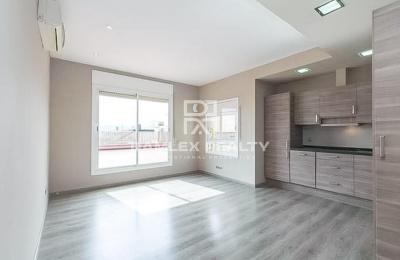 Apartamento con una terraza de 80 m2 en el centro de Barcelona