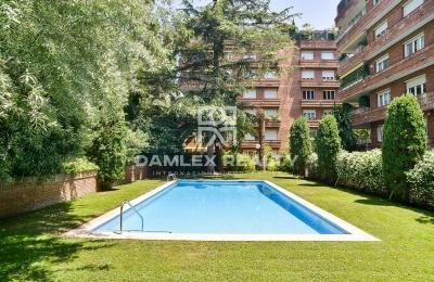 Amplio apartamento en la Zona de Alta. Barcelona