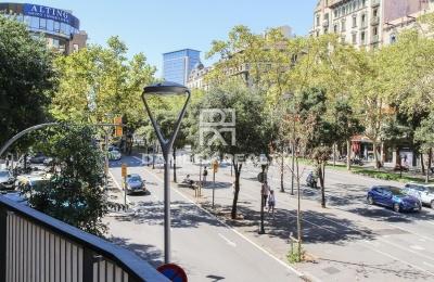 Apartamento con gran terraza en el centro de Barcelona