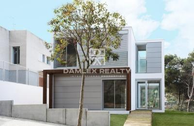 Villa de estilo minimalista en la Costa Maresme