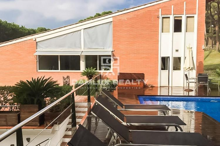 Villa a las afueras de Barcelona, Costa Maresme.