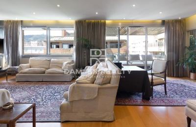Apartamento en planta atico en la zona de Sarrià