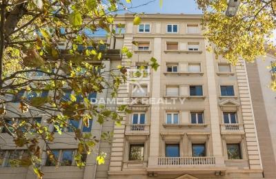 Apartamento a 200 metros del Paseo de Gracia. Barcelona