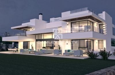 Nueva villa de lujo cerca de la playa.