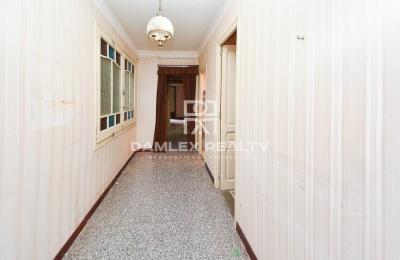 Apartamento para reformar en el centro de Barcelona