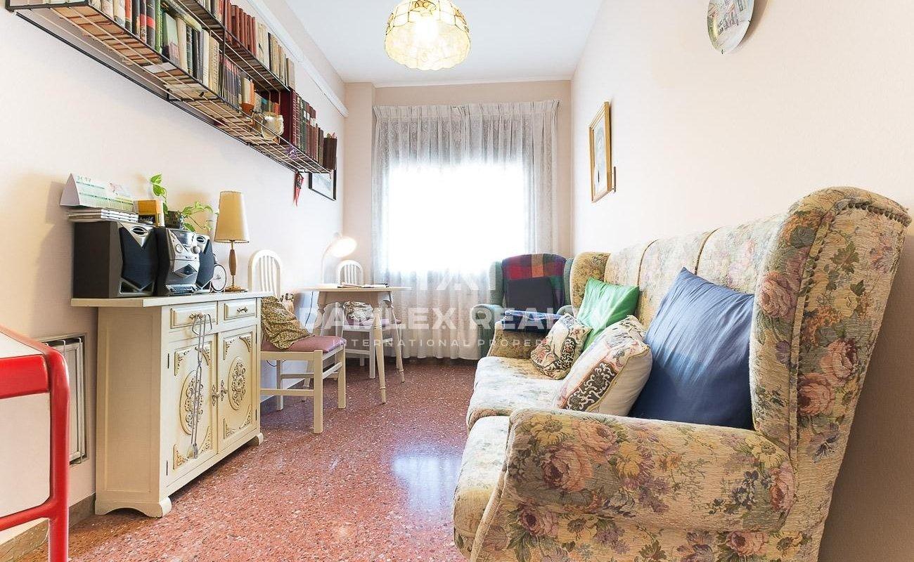 Apartamento en el distrito del Eixample cerca de la Sagrada Familia.