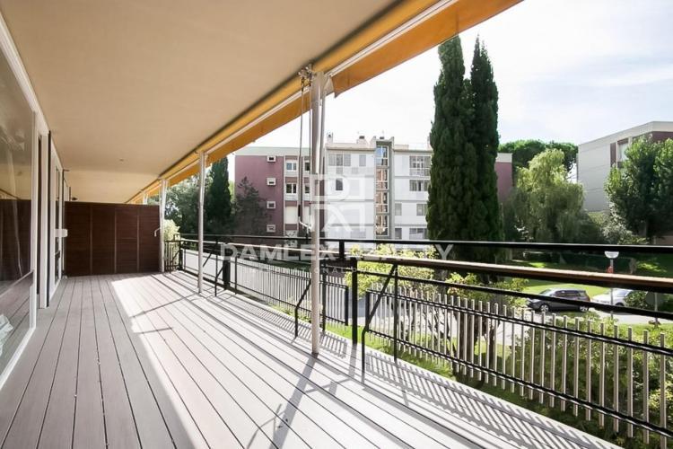 Amplio apartamento en una zona prestigiosa de Barcelona