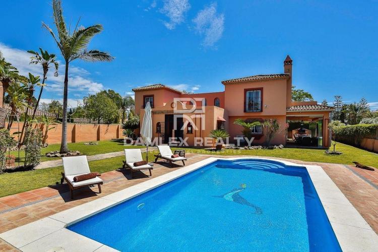Villa a 150 metros de la playa en la Costa del Sol