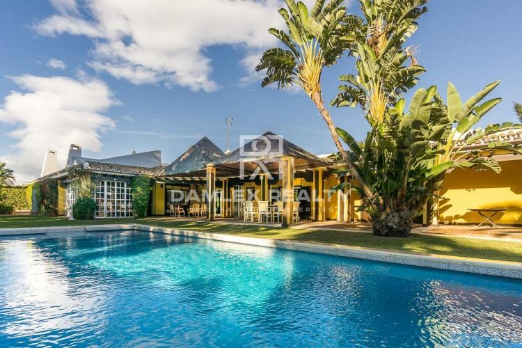 Villa a 100 metros del mar en la Costa del Sol.