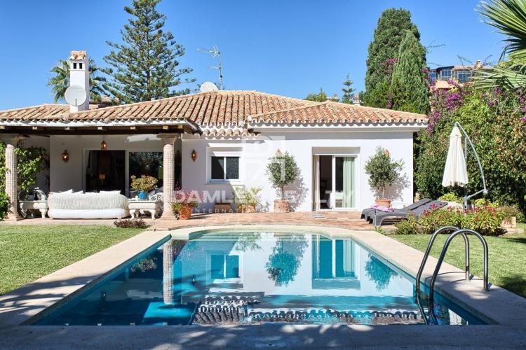Villa en estilo tradicional ubicada a solo 200 metros de la playa