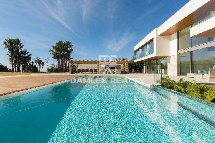 Oferta exclusiva! Villa de lujo de Barcelona.