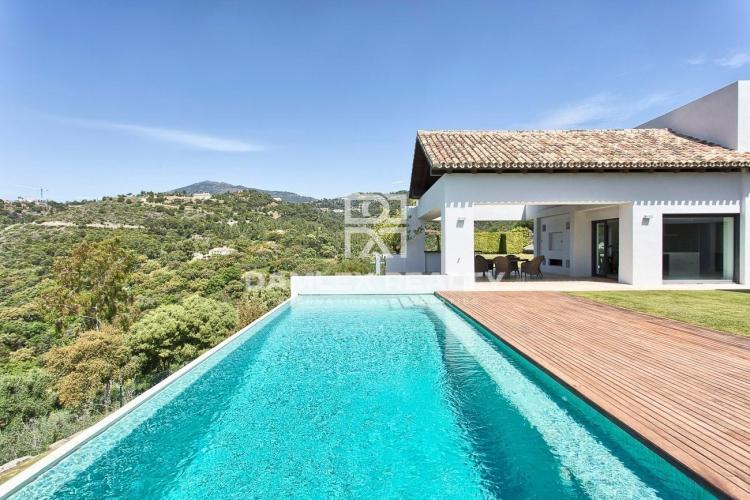 Gran villa con vistas panorámicas