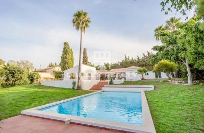 Villa reformada cerca de la playa, Estepona