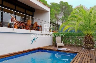 Villa en Sitges con hermosas vistas
