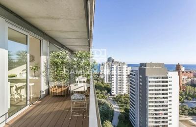 Apartamento nuevo con vistas al mar en la zona de Diagonal Mar
