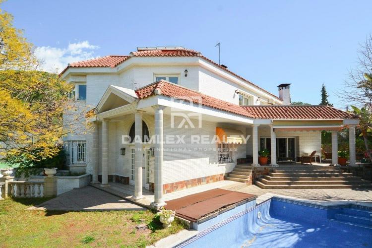 Villa in Cabrils