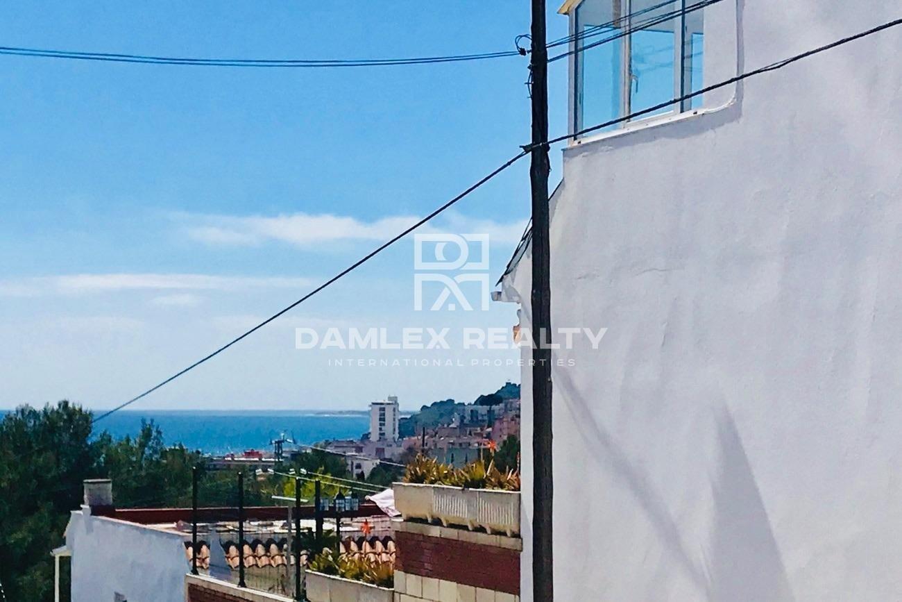 Casa cerca playa y centro de Lloret de Mar con vistas al mar