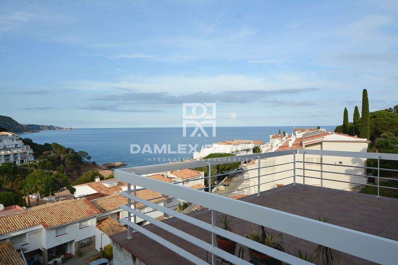 Apartamento en Cala privada con vista al mar