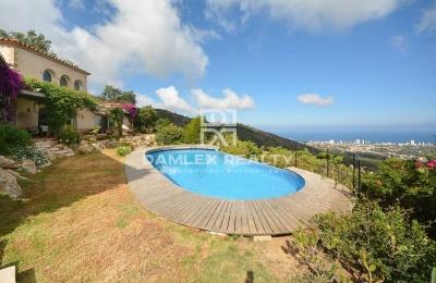 Magnífica casa con vistas panoramicas al mar