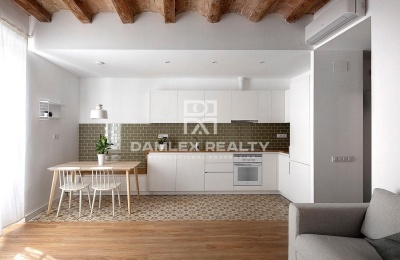 Apartamento reformado en  Sants. Barcelona