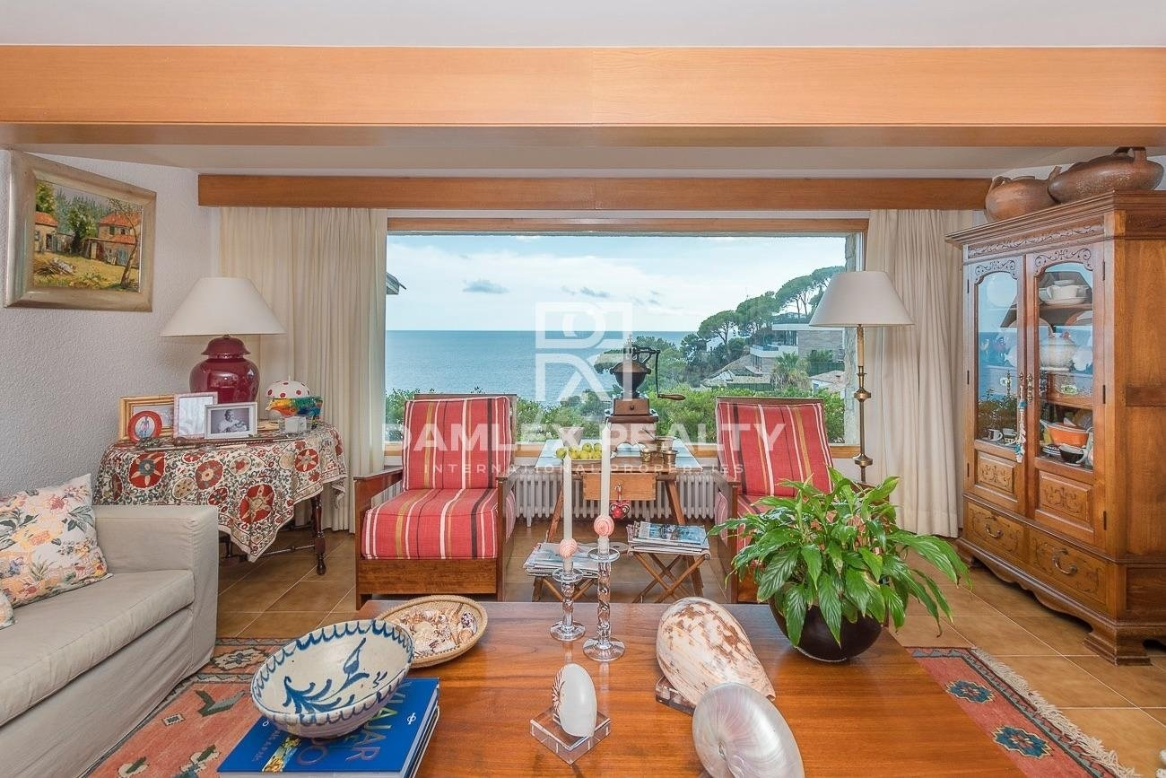 Villa en la prestigiosa urbanización de Cala Canyelles en Lloret de Mar