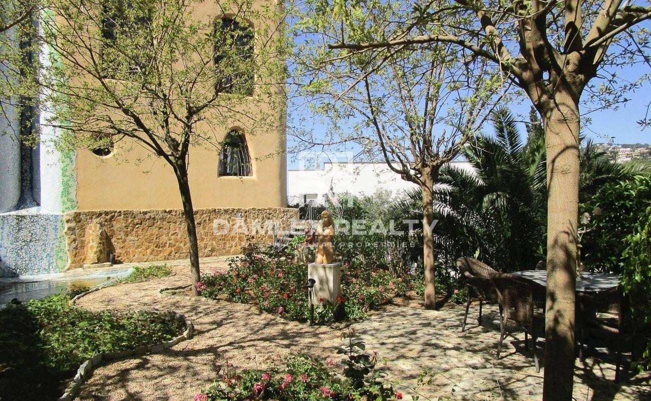 Villa de estilo Gaudi en Lloret de Mar