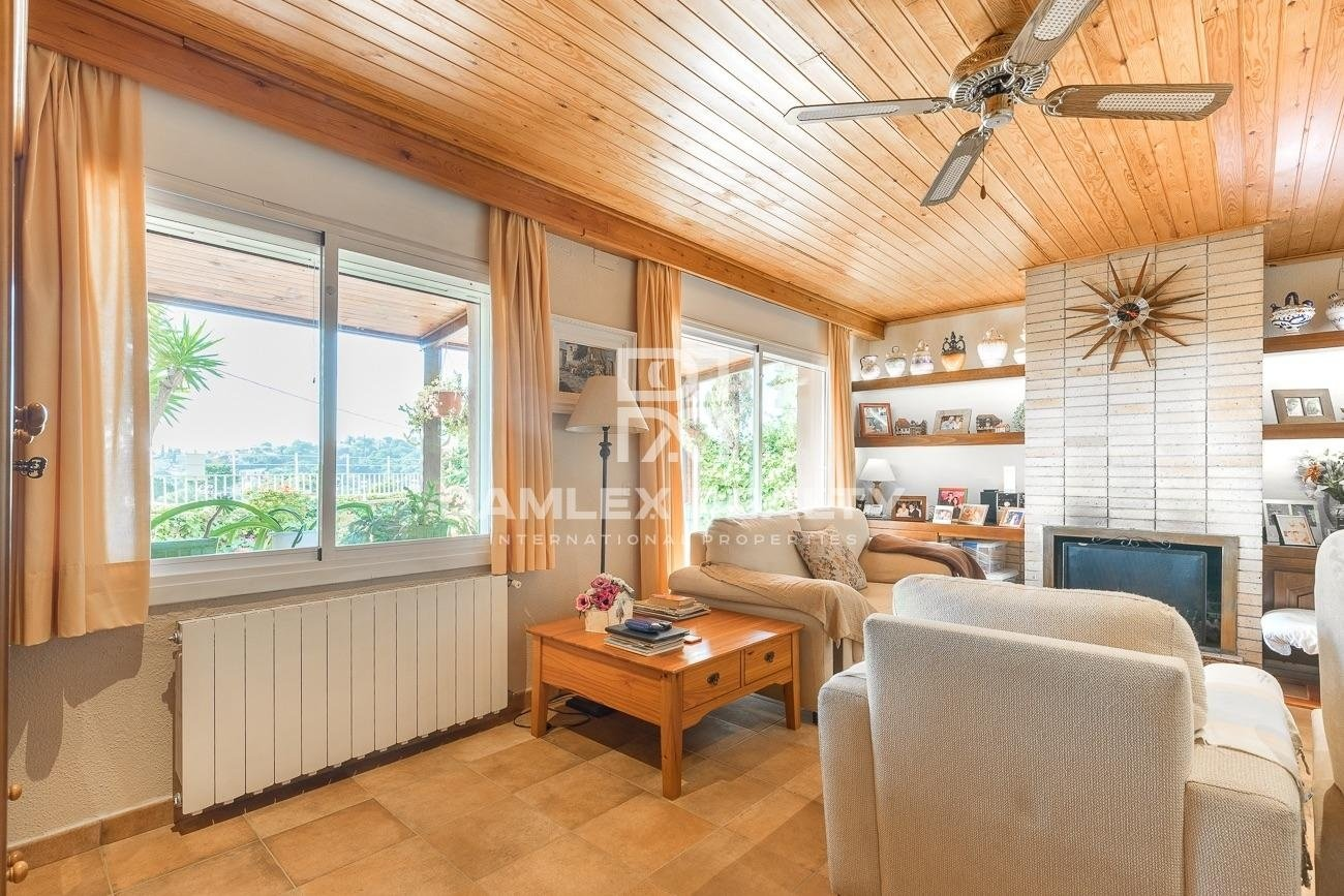 Villa en Lloret de Mar cerca de la playa de Cala Canyelles