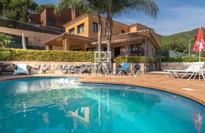 Villa con piscina en Premià de Dalt (Barcelona)