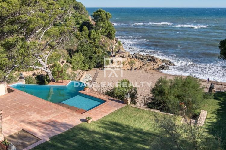Dos villas en primera linea mar, en el pintoresco lugar de Costa Brava