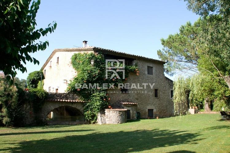 Masia del siglo 18 cerca de Girona