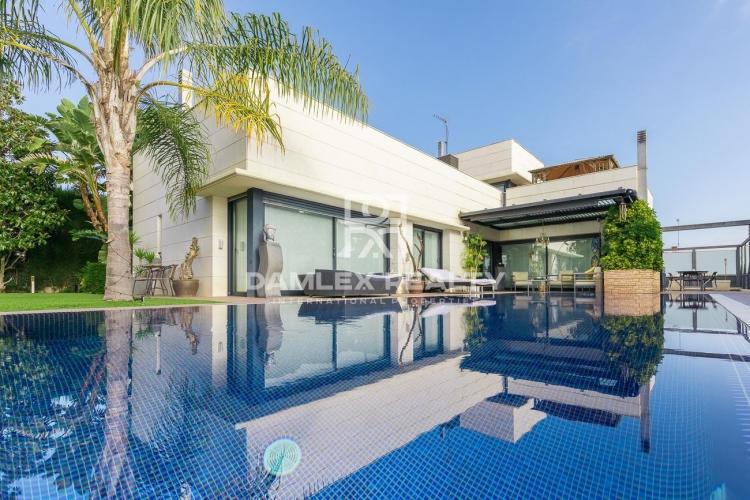 Villa en una prestigiosa urbanización cerca de la playa. Sant Vicenç de Montalt.