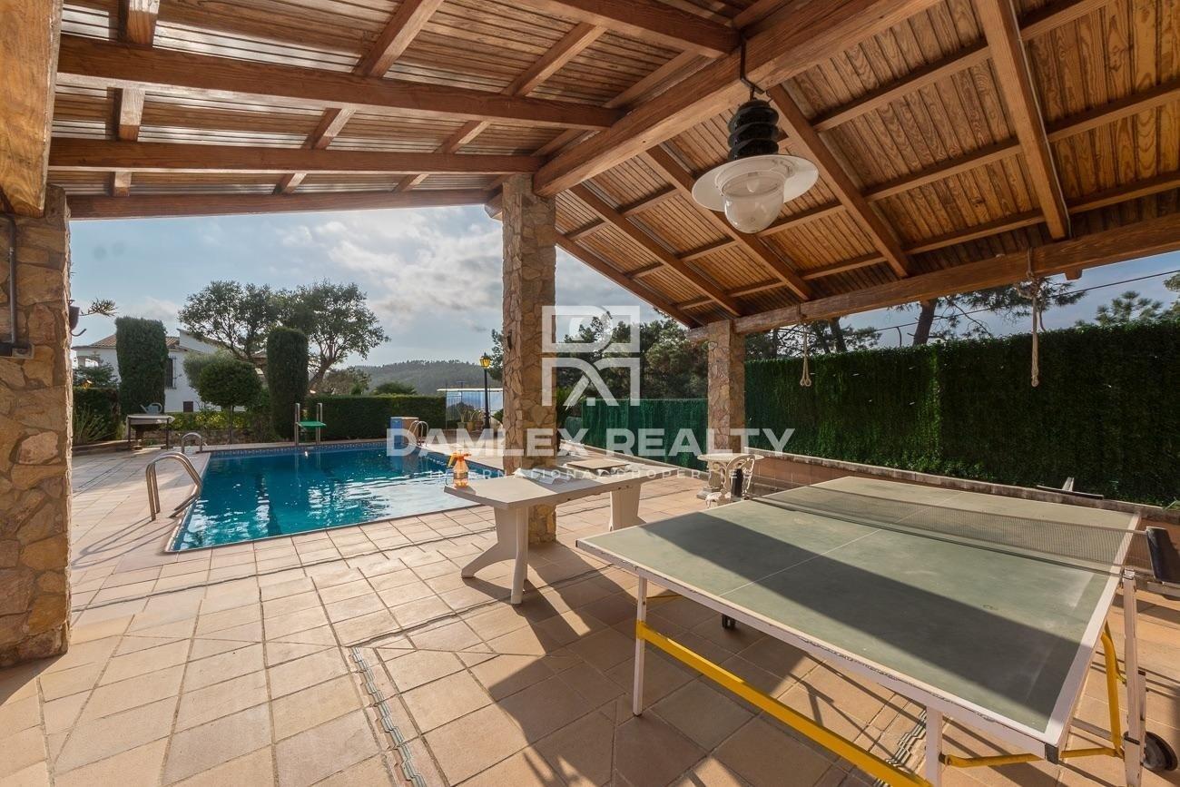 Casa con Gran jardín y piscina en Urbanización de Lloret de Mar