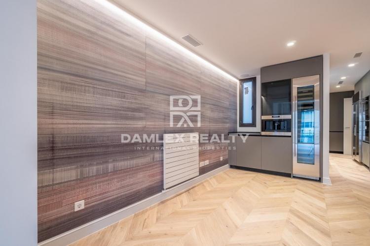 Magnífico apartamento en un edificio histórico en Rambla Catalunya