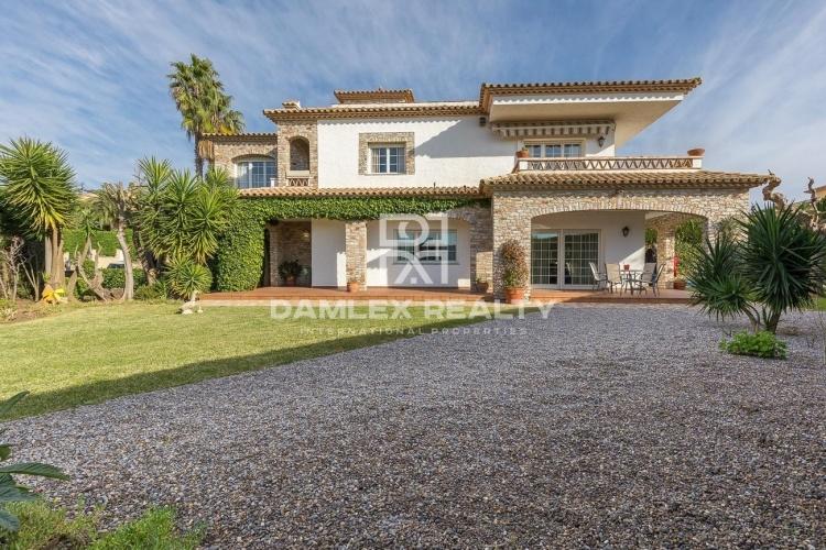 Villa a poca distancia de la playa en Playa de Aro