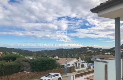 Casa / Villa de 4 habitaciones, parcela 1000m2, en venta en Playa de Aro, Costa Brava