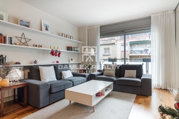 Piso en excelente estado con terraza en una de las mejores zonas de Barcelona