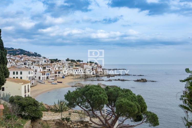Casa en la playa con impresionantes vistas al mar en Calella de Palafrugell