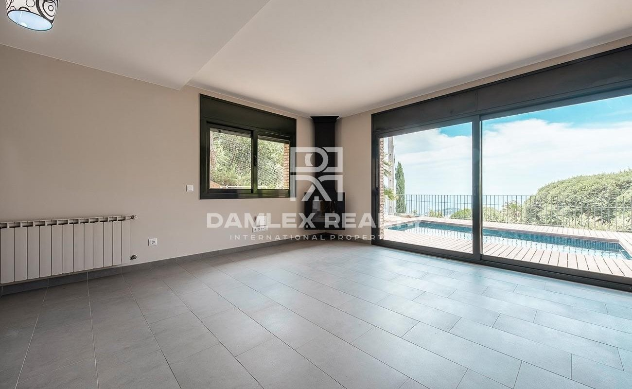 Casa moderna con preciosas vistas al mar