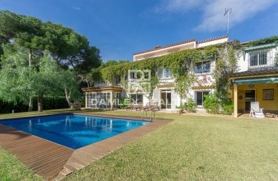 Villa estilo mediterraneo a pocos metros de la playa