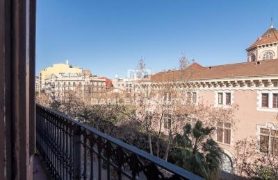 Apartamento para reformar en el centro de barcelona.