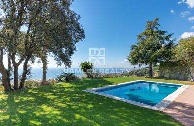 Casa con vistas al Mar y Barcelona en Premia de Dalt