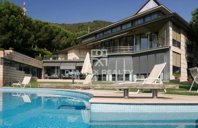 Villa en una prestigiosa zona de barcelona.