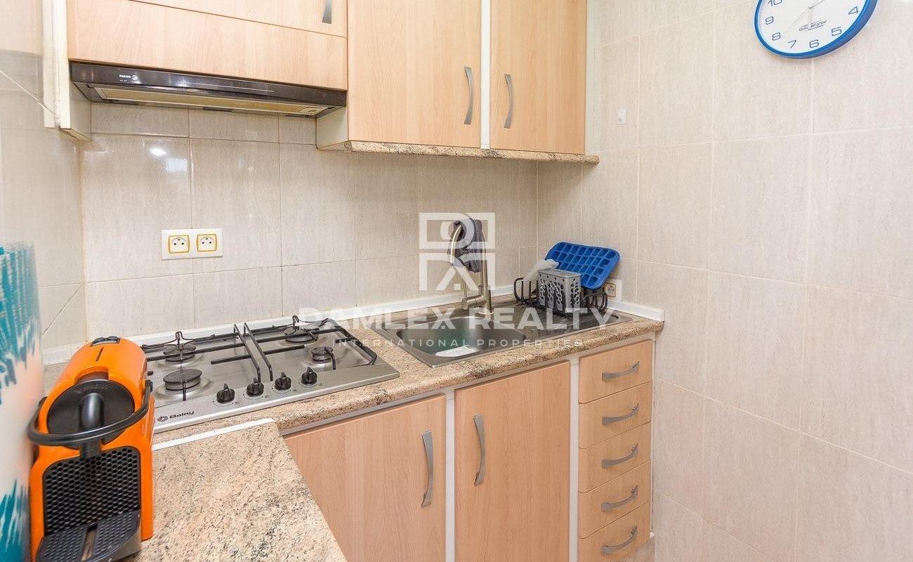 Apartamento renovado en la zona privada de Cala Salions