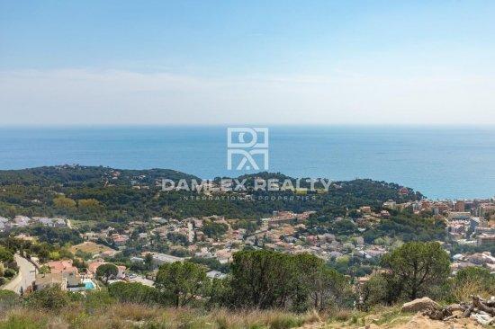 En venta 2 parcelas de terreno con vistas panorámicas al mar, para la construcción de villas individuales