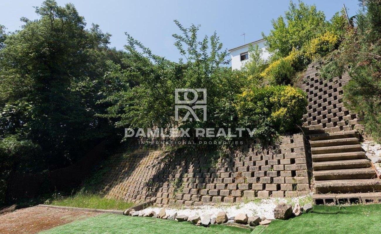 Casa de 2 plantas con licencia Turística en Urbanización de Lloret de Mar