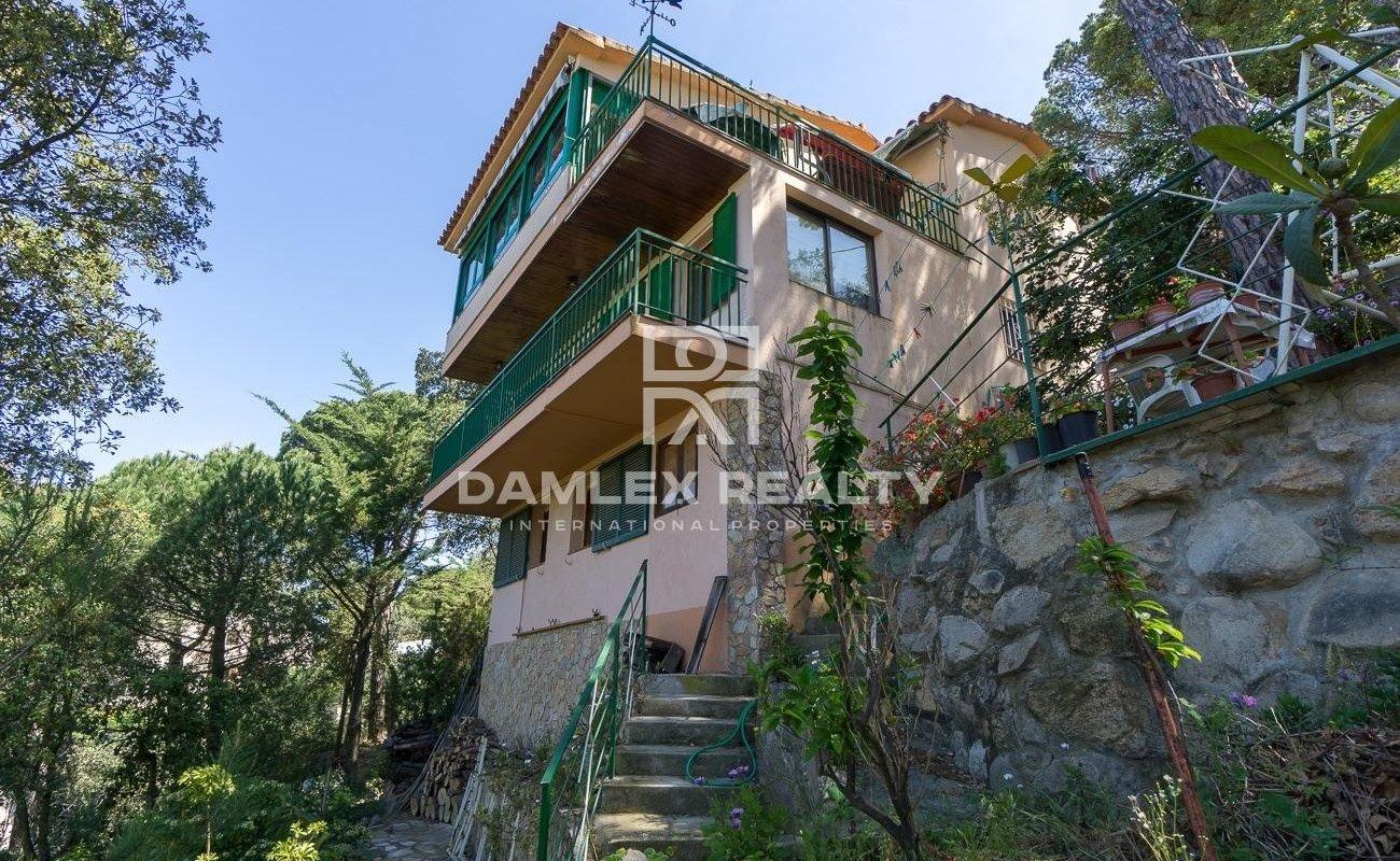 Casa con vistas al mar y montañaы en Lloret de mar